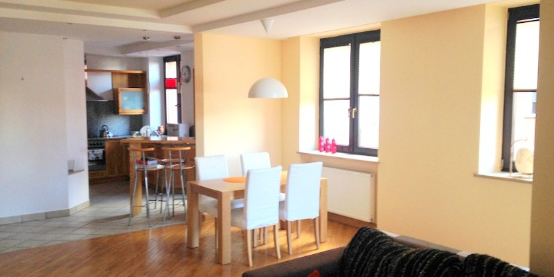 Livingroom with dining area