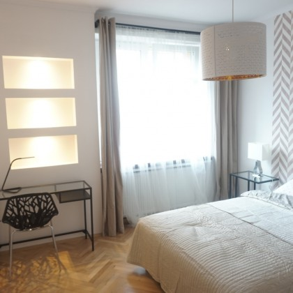 Cracow, close to city center, Krolewska str, 2 bedrooms +livingroom, 2400 PLN +bills