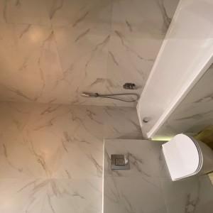 3_Bathroom (2)