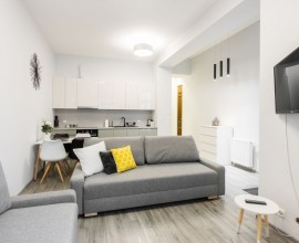 Cracow, Old town - Topolowa studio flat, modern standard, 2350 PLN all included